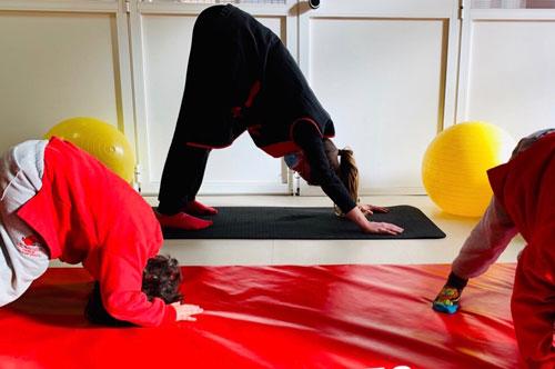Yoga infantil, mindfulness y meditación de la sonrisa